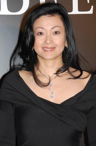 ジュエリーブランド『デビアス 銀座本店』のオープニングプレビューに出席した斎藤陽子