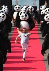 山口が声優を務める主人公パンダのポー