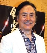 藤田まことの代役を務める、俳優の平幹二朗