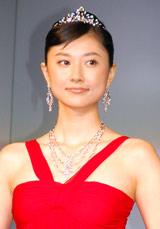 ダイヤモンドガライベント『Botswana Diamond Night』にゲストとして登場した菊川怜