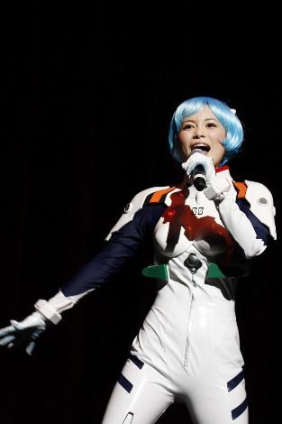 海外で初ライブを行った中川翔子
