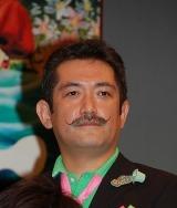 映画『パコと魔法の絵本』の完成披露記者会見に出席した原作者・後藤ひろひと