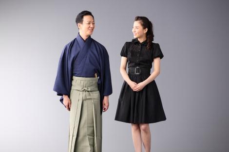 (左から)坂東玉三郎と小林麻央