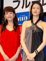 『ブルーレイシネマキャンペーン』の新CM発表会に出席した綾瀬はるかと小雪