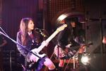 10月22日にメジャーデビューした女子高生ガレージ・バンドのSCANDALのライブ