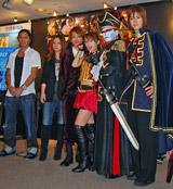 左から、SAM(TRF)、伴都美子、西島隆弘(AAA)、鈴木亜美、デーモン小暮閣下、相葉弘樹