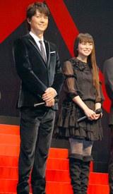 映画『容疑者Xの献身』舞台挨拶での福山雅治と柴咲コウ
