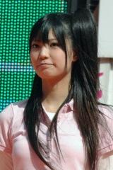 『東京丸の内ストリートスタジアム』に参加したAKB48の倉持明日香