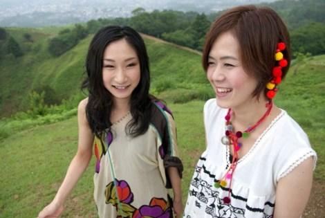 アナム&マキ(左)