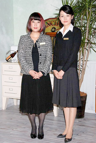 NHKショートストーリー集「祝女」の取材会に出席した友近と佐藤めぐみ