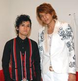 来年2月11日にシングル「鼓動」でメジャーデビューするalma (左から)白石経、城田純