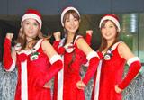日本テレビ内にあるゼロスタ広場でデビューイベントを行ったgo!go!ガールズ(左から葉山エレーヌ、夏目三久、鈴江奈々)