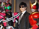 『仮面ライダーディケイド』主題歌を担当するGackt