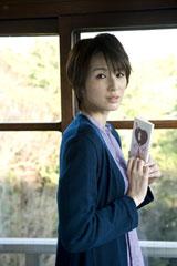 母親役的な長女(30歳)を演じる吉瀬美智子