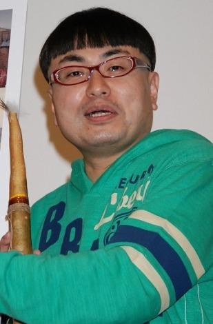 「世界ウルルン滞在記」DVD発売記念トークショー付き上映イベントに登場したイジリー岡田