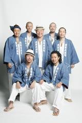 10周年記念ライブを行うET-KING