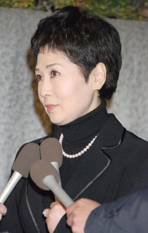 フォーリーブスの青山孝史さんの通夜に参列した黛ジュン
