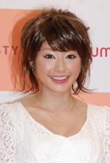 下着専門店『AMO'S STYLE』の2009年新イメージキャラクターに選ばれた土岐田麗子