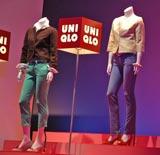 『ユニクロ』春夏新作発表会で展示されたジャケット