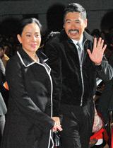 チョウ・ユンファ(左:亀仙人役)