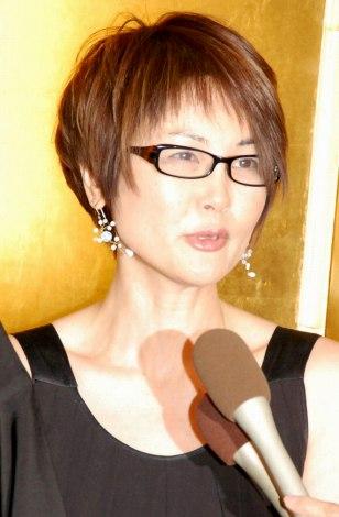 「峰竜太の妻」の画像検索結果