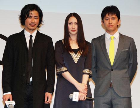 左から鈴木一真、香椎由宇、阿部力 【『BeeTV』の開局番組制作発表会にて】
