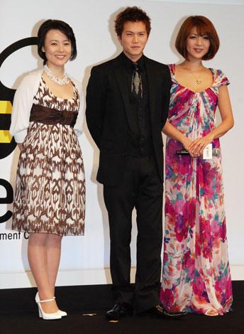 左から杉田かおる、市原隼人、飯島直子 【『BeeTV』の開局番組制作発表会にて】