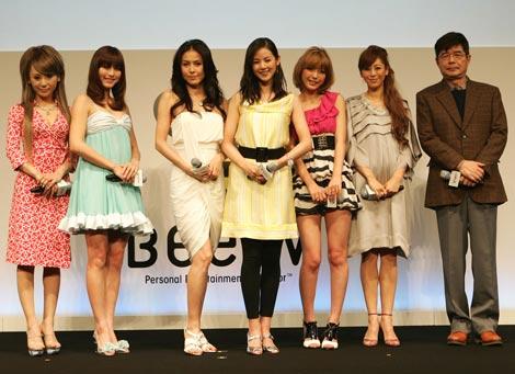 (左から)桃華絵里、杉本有美、杉本彩、小西真奈美、木下優樹奈、大桑マイミ、森本レオ