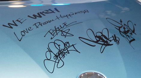 『ウイッシュ』に書かれたATSUSHI、HIRO、TAKAHIROのサイン