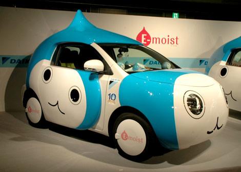 トヨタの『IQ』をカスタマイズした世界に3台しかないオリジナルカー「ぴちょんくん号」 (C)ORICON DD inc.