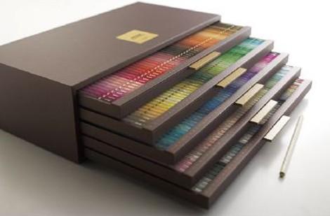 三菱鉛筆の240色の色鉛筆セット『uni COLOR 240 LIMITED EDITION(ユニカラー 240 リミテッドエディション)』