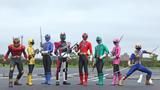 初共演を果たす『仮面ライダーディケイド』と『侍戦隊シンケンジャー』 (C)2009 石森プロ・テレビ朝日・ADK・東映