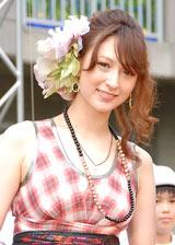 すっかりママの顔のリア・ディゾン (C)ORICON DD inc.