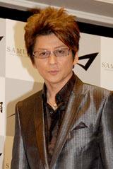 自身初プロデュースとなるメガネフレーム『SAMURAI 翔』の発表会見を行った哀川翔 (C)ORICON DD inc.