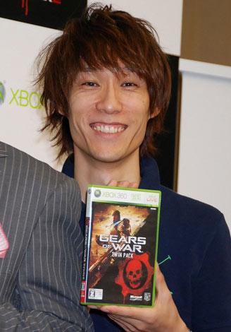 Xbox360「Gears of War2」発売記念イベントに登場したOver Drive緒形 (C)ORICON DD inc.