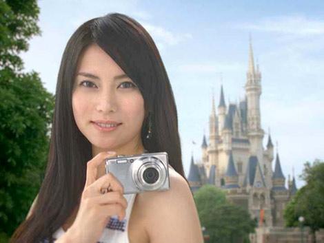 柴咲コウが出演するFinePix F70EXR 新CM『10倍、美しい。』篇 CMカット
