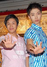 NHK『パフォー!』の夏フェスイベント『Paphooo Festival 2009』に参加したはんにゃの(左から)川島章良、金田哲 (C)ORICON DD inc.