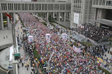 『東京マラソン2009』の様子 (C)TOKYO MARATHON