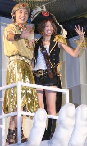 映画『ナイトミュージアム2』ジャパンプレミアに登場した(左から)つるの剛士、南明奈 (C)ORICON DD inc.