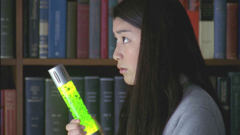 成海璃子が出演しているスパイ映画のような展開の新CM