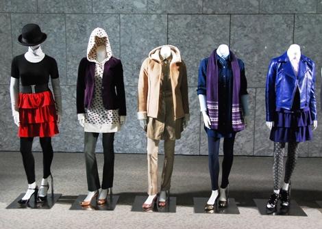 ボトム商品のラインナップが強化された婦人服