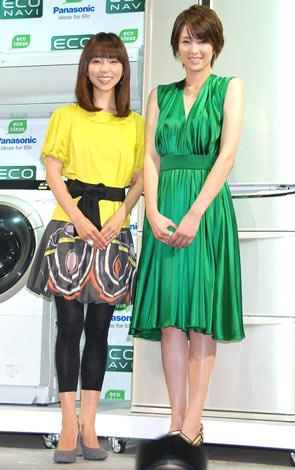 パナソニック『アプライアンス』新製品発表会に出席した、(左から)久保純子と吉瀬美智子 (C)ORICON DD inc.