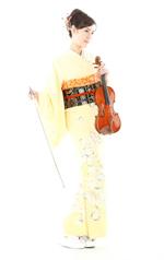 170cmの長身、09年度ミス日本「ミス着物」受賞の美貌を持つ松本蘭