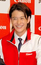 キヤノン『PIXUS』シリーズ新製品CM発表会で笑顔を見せる岡田将生