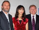 映画『クリスマス・キャロル』監督来日ティーチインイベントに出席した、(左から)スティーヴ・スターキープロデューサー、杏、ロバート・ゼメキス監督 (C)ORICON DD inc.