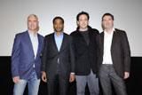 映画『2012』特別上映のため来日した(左から)ローランド・エメリッヒ監督、キウェテル・イジョフォー、ジョン・キューザック、ハロルド・クローサー(プロデューサー)