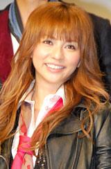 ドラマ『リアル・クローズ』の制作発表に出席した香里奈