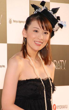 アジア専門チャンネル『DATV』開局記念レッドカーペットセレモニーに出席した、雛形あきこ (C)ORICON DD inc.