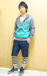 男性用レギンスは、ハーフパンツと合わせてデザイン・カラーを見せる着こなしがこの秋冬の特徴