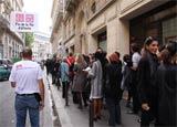 オープン当日には約800人に行列ができた